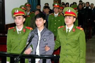 Hình minh họa. Phiên tòa xét xử nhà báo Nguyễn Văn Hóa ở Hà Tĩnh hôm 27/11/2017